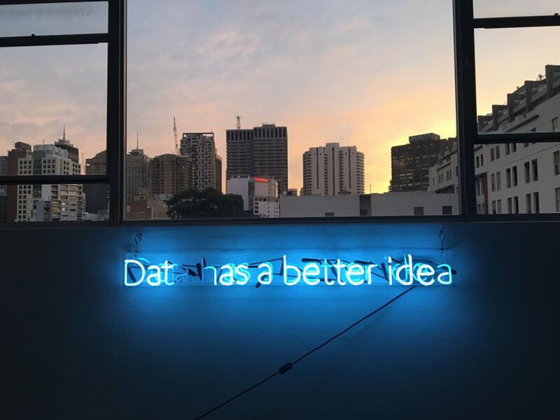 errores-inteligencia-artificial-en-empresas-neon